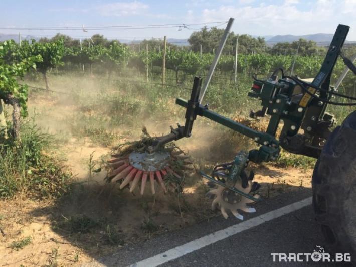 Машини за лозя / овошки Механично плевене на насаждения CORBINS 1 - Трактор БГ